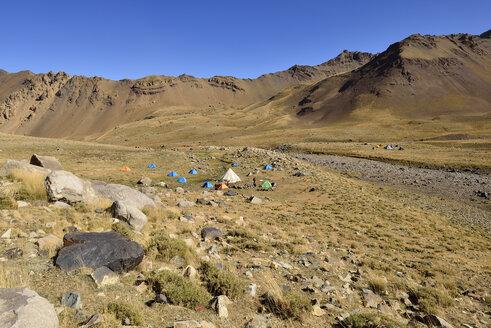 Iran, Mazandaran Province, tent camp on Hezar Som plateau, Alam Kuh area Takht-e Suleyman Massif, Alborz Mountains - ES000768