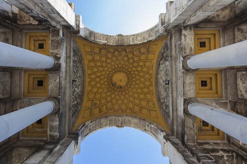 Italy, Liguria, Genoa, Piazza della Vittoria, part of triumphal arch - AM001268