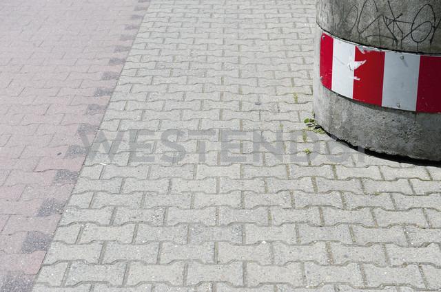 Germany, North Rhine-Westphalia, Duesseldorf, part of a pavement - VI000009