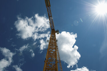 Germany, North Rhine-Westphalia, Duesseldorf, construction crane - VI000014