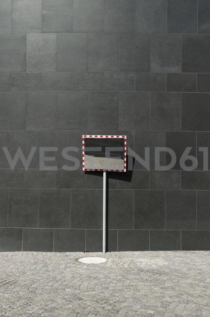 Germany, North Rhine-Westphalia, Duesseldorf, part of facade of K20, Kunstsammlung Nordrhein-Westfalen - VI000031