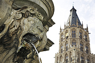 Germany, North Rine-Westphalia, Cologne, view to city hall tower, part of Jan von Werth fountain in front - JAT000499