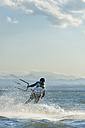 Germany, Baden-Wuerttemberg, Fischbach, Kitesurfer on Lake Constance - SH001033
