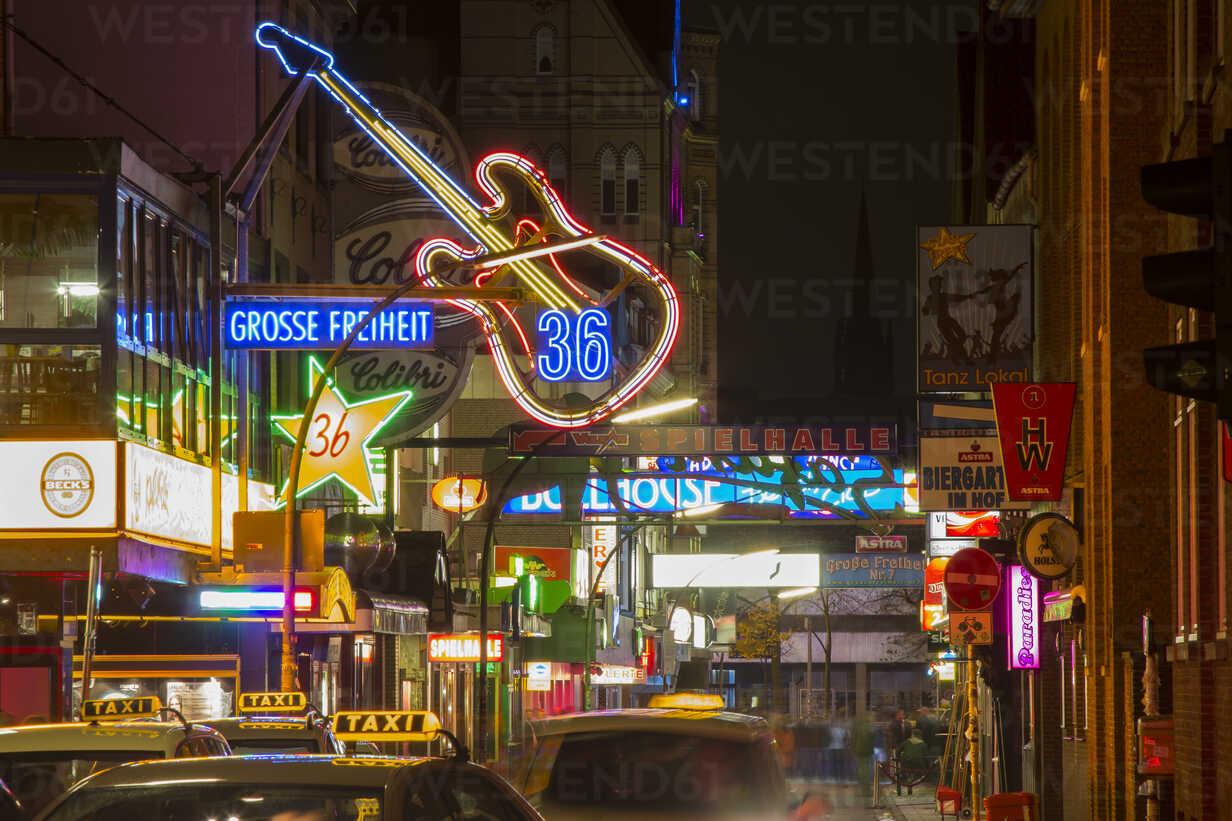 Germany, Hamburg, Street Grosse Freiheit with music club - NK000037 - Stefan Kunert/Westend61