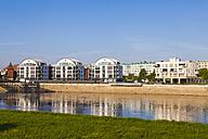 Germany, Saxony-Anhalt, Magdeburg, Modern houses at River Elbe - WDF002079
