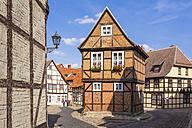 Germany, Saxony-Anhalt, Quedlinburg, Timber-framed houses at Finkenherd - WDF002090