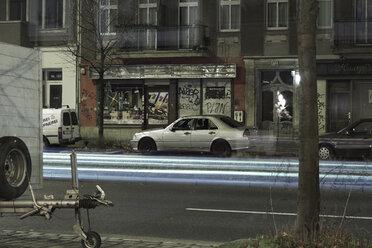 Germany, Berlin, Prenzlauer Berg, street scene by night - CM000022
