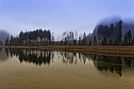 Austria, Upper Austria, Salzkammergut, Gruenau, Alm valley, Lake Almsee - GFF000315