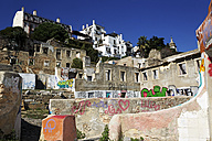 Portugal, Lisbon, Alfama, graffitis at walls of house ruins - BIF000112