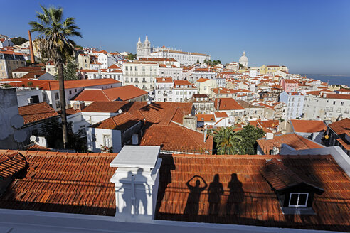 Portugal, Lisbon, Alfama, Miradouro de Santa Luzia, view over the city - BIF000123