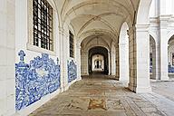 Portugal, Lisbon, Alfama, monastery of Sao Vicente de Fora, cloister with azulejos - BI000134