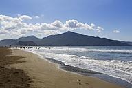 Turkey, Dalyan, Iztuzu beach with mountain Bozburun Tepesi - SIEF004748