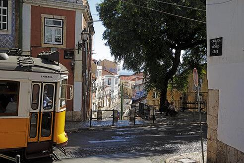 Portugal, Lisboa, Alfama, Electrico at Rua de Sao Tomas - BI000156
