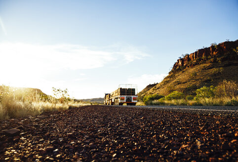Australia, Western Australia, Truck on a the road - MBE000945