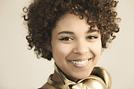 Portrait of female Afro-American with headphones - NGF000058
