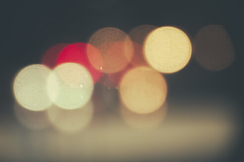 Brazil, Sao Paulo, Bokeh, lights at night - AMCF000007
