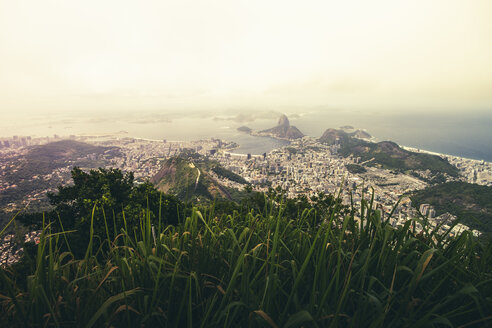Brazil, Rio de Janeiro, Corcovado, View of the city - AMCF000011