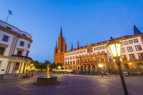 Germany, Hesse, Wiesbaden, Hessian Landtag, Market Church and new town hall - WD002125