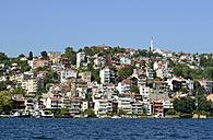 Turkey, Istanbul, View of Sariyer - LH000338