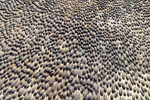Spain, Lanzarote, Arrecife, part of pavement made of pebbles - MFF000700