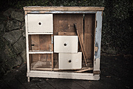 Old wormy chest of drawers - HAF000234