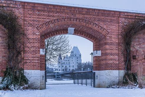 Germany, Bavaria, Ingolstadt, Klenzepark, New Castle in the background - MAB000190