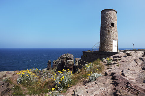 France, Bretagne, Cap Frehel, Old lighthouse - BI000245