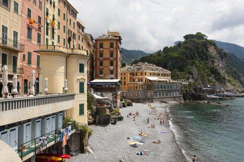 Italy, Liguria, Camogli, View of the lido - AM001521