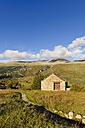 Spain, Aragon, Central Pyrenees, Ordesa y Monte Perdida National Park, stonehouse in Fanlo - LAF000365