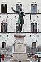 Italy, Liguria, Province of Genoa, Chiavara, Piazza Mazzini, Statue of Giuseppe Mazzini - AM001530
