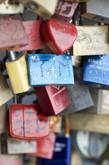 Germany, Cologne, padlocks of love on Hohenzollernbruecke - MH000250