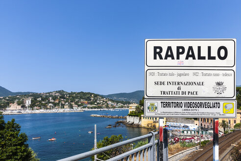 Italy, Liguria, Rapallo, City view - AM001549
