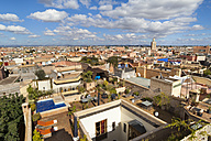 Morocco, Marrakech, view at rooftops and roof gardens - HSI000334
