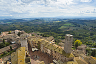 Italy, Tuscany, San Gimignano, view to city from above - HSI000329