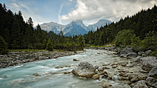 Austria, Tyrol, Karwendel Mountains, Risstal, Rissbach stream in Eng - GFF000332