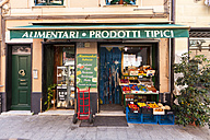 Italy, Liguria, Sestri Levante,  Greengrocery in the old town - AM001586
