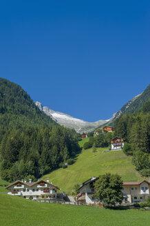 Italy, Trentino-Alto Adige, Alto Adige, Bozen, Ahrntal, traditionally houses - MJF000437