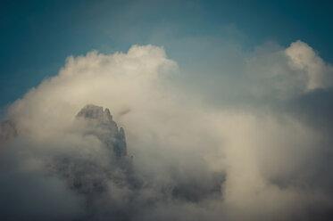 Italy, Province of Belluno, Veneto, Auronzo di Cadore, Tre Cime di Lavaredo, cloudscapes - MJF000469
