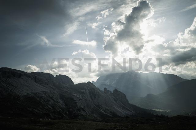 Italy, Province of Belluno, Veneto, Auronzo di Cadore, Tre Cime di Lavaredo, cloudscapes - MJ000489 - Jana Mänz/Westend61