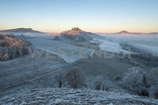 Germany, Baden-Wuerttemberg, Konstanz district, Hegau with Hohenstoffeln left, Maegdeberg and Hohenhewen right before sunrise - EL000757