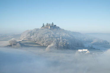 Germany, Baden-Wuerttemberg, Konstanz district, Maegdeberg and wafts of mist - EL000761