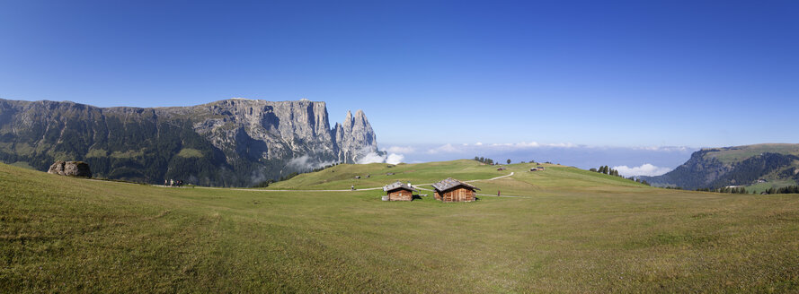Italy, South Tyrol, Seiseralm and Schlern group - WWF003060