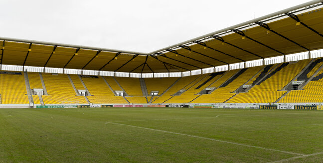 Germany, North Rhine-Westphalia, Aachen, football stadium Tivoli, View from playing field to tribunes - HL000327