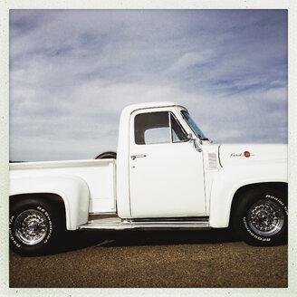 old truck, Prince Edward Iceland, Canada, Nova Scotia, PEI - SE000153