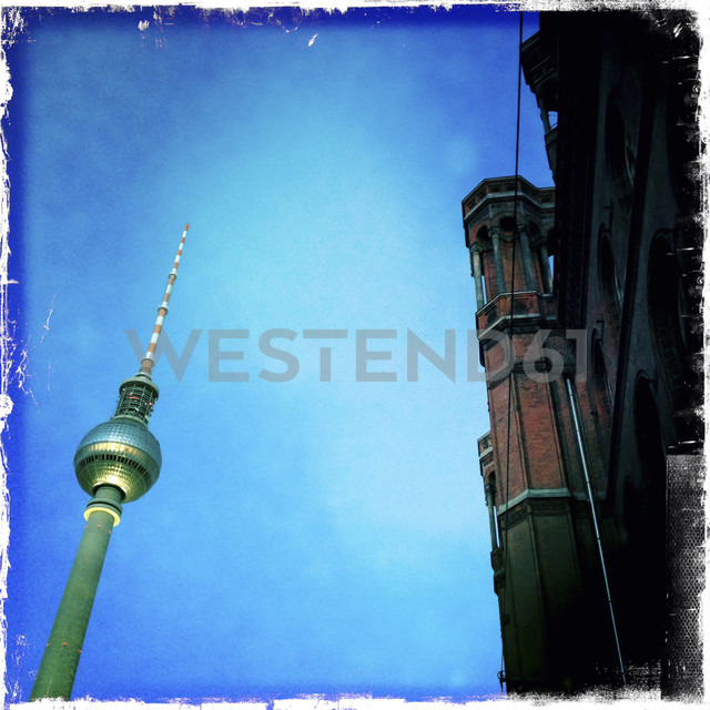 TV tower at Alexanderplatz and Rotes Rathaus, Germany, Berlin - ZMF000039 - Michael Zwahlen/Westend61