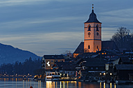 Austria, Salzburg State, Salzkammergut, St. Wolfgang at Lake Wolfgangsee, evening twilight - GF000353