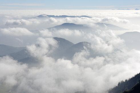 Germany, Upper Bavaria, Bavaria, Chiemgau Alps, Bergen, Teisenberg, Hoellen Mountains and Schafberg from Hochfelln - LB000476