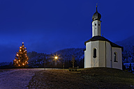 Austria, Tyrol, Schwaz, Achenkirch at Achensee, St. Anna and lighted christmas tree - GFF000366