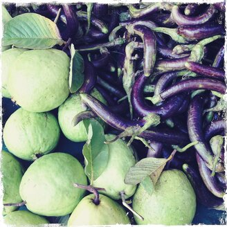 mini eggplants, Nashi (Asian pear), Myanmar, Mandalay, vegetable market - BMF000832
