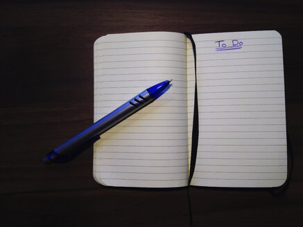 To Do List, notebook and pen, Studio, Berlin, Germany - ZMF000065